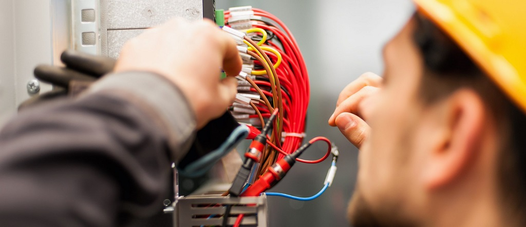 Hiring Professional Electricians